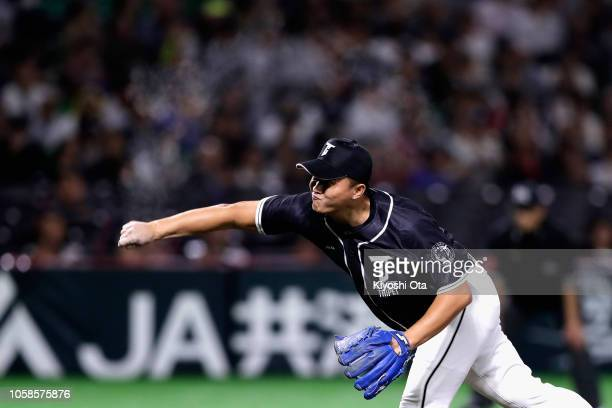Pitcher Wu ChengChe of Chinese Taipei throws in the bottom of 6th inning during the baseball friendly between Japan and Chinese Taipei at Fukuoka...