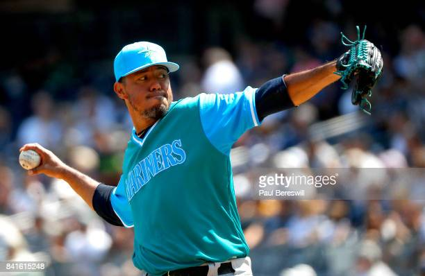 Pitcher Yovani Gallardo of the Seattle Mariners pitches in an MLB baseball game against the New York Yankees on August 26 2017 at Yankee Stadium in...