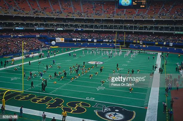 Pitsburgh Steelers play during a game at Three Rivers Stadium circa 1993 in Pittsburgh Pennsylvania