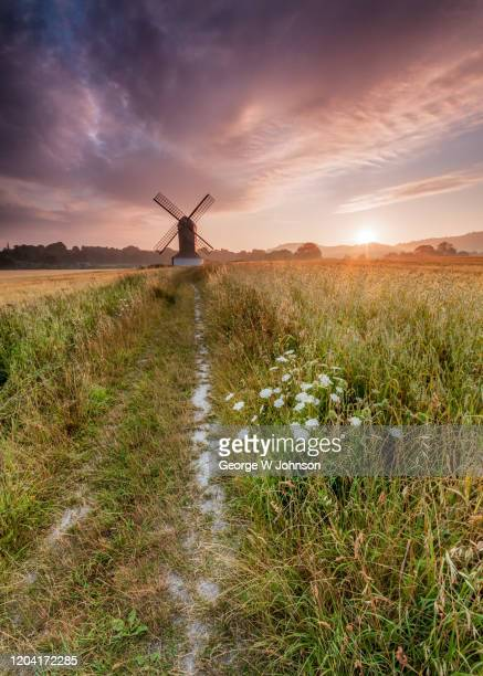 pitstone windmill iv - バッキンガムシャー ストックフォトと画像