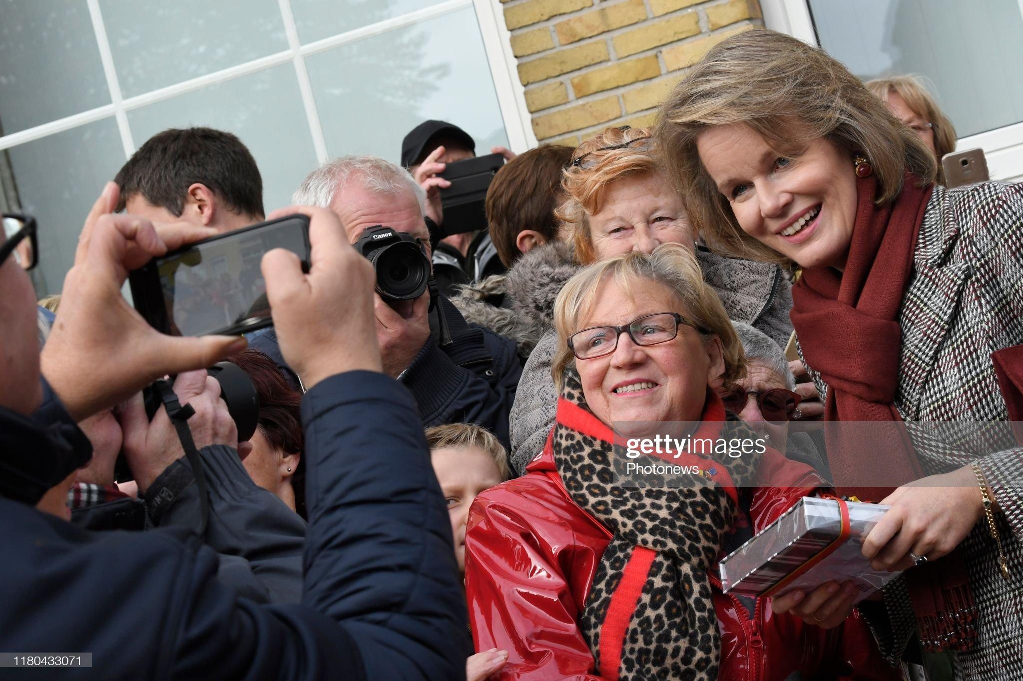pittem-belgium-november-6-2019-ontmoeting-met-de-bevolking-rencontre-picture-id1180433071
