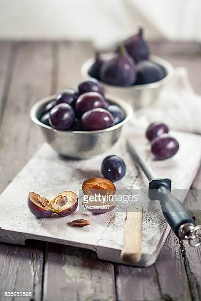 Pitting plums for making jam