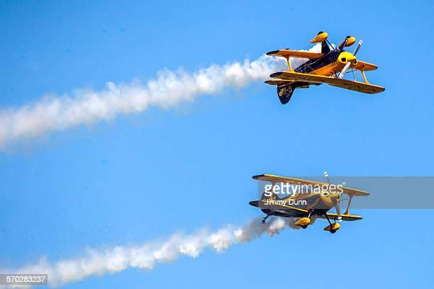 pitts special biplane - 航空ショー ストックフォトと画像