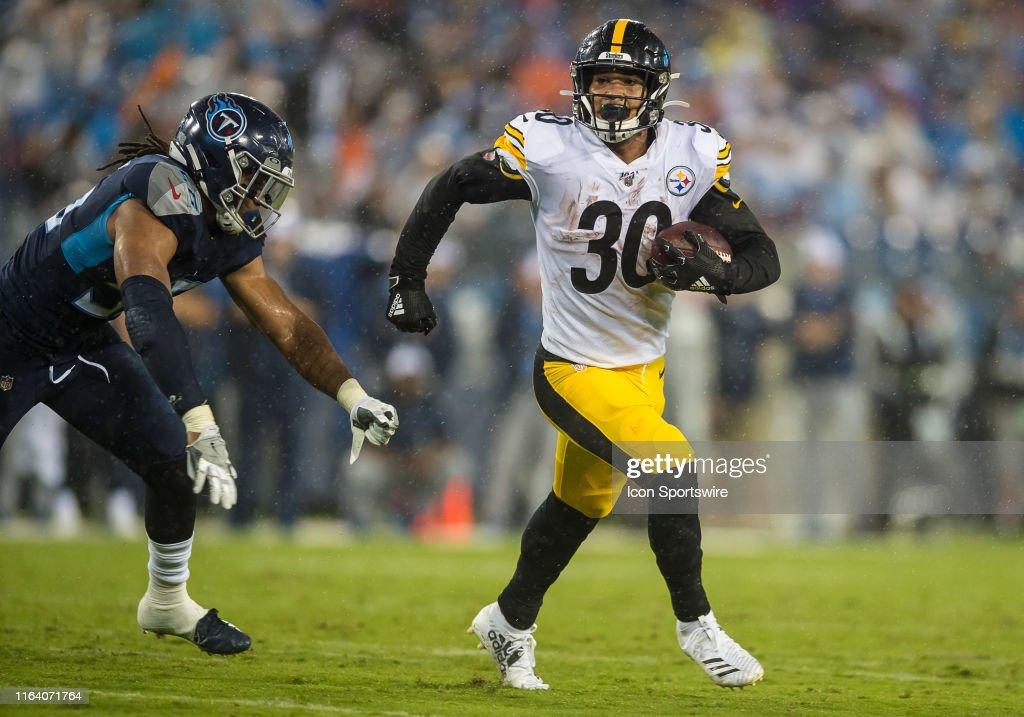 NFL: AUG 25 Preseason - Steelers at Titans : News Photo