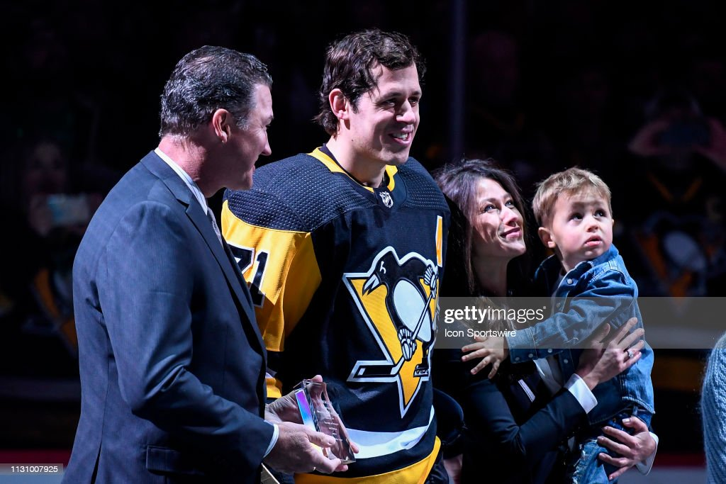 NHL: MAR 16 Blues at Penguins : News Photo