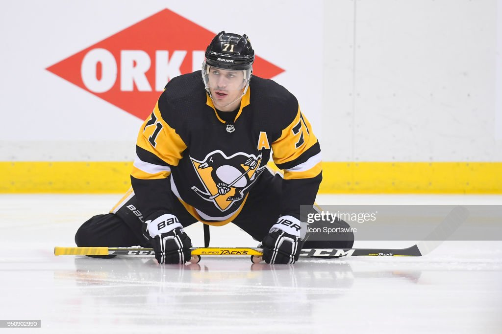 NHL: APR 20 Stanley Cup Playoffs First Round Game 5 - Flyers at Penguins : News Photo