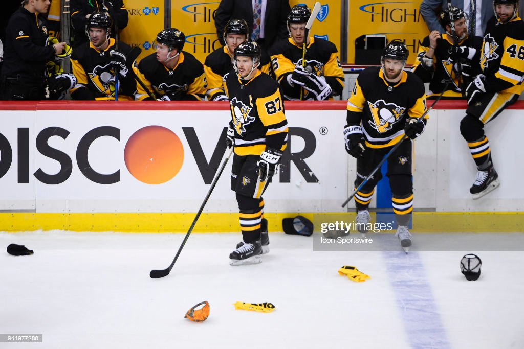 NHL: APR 11 Stanley Cup Playoffs First Round Game 1 - Flyers at Penguins : News Photo
