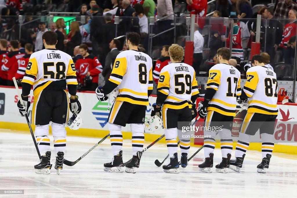 NHL: MAR 29 Penguins at Devils : News Photo