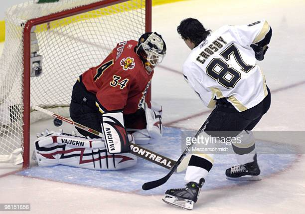 Pittsburgh Penguins forward Sidney Crosby scores a goal on Calgary Flames goalie Miikka Kiprusoff during the SuperSkills competition during the 2007...