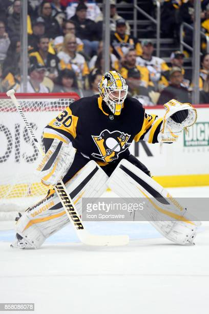Pittsburgh Penguins goalie Matt Murray tends net during the first period in the NHL game between the Pittsburgh Penguins and the St Louis Blues on...
