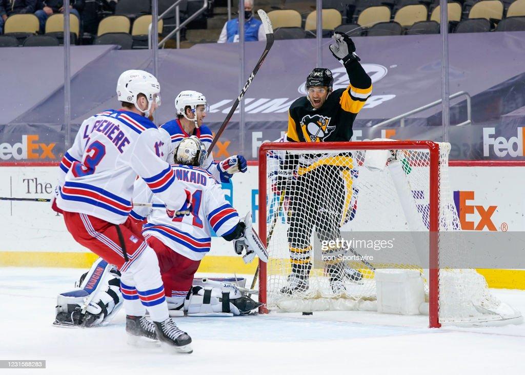 NHL: MAR 07 Rangers at Penguins : News Photo