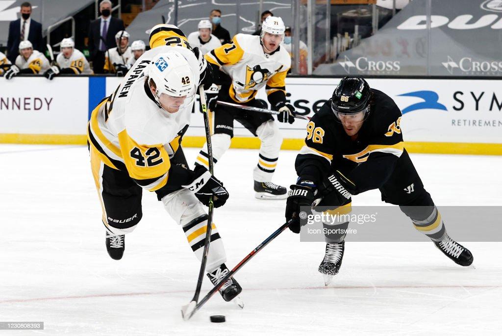 NHL: JAN 26 Penguins at Bruins : News Photo