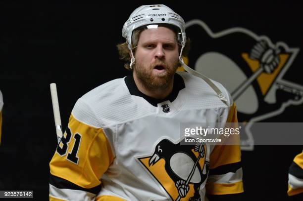 Pittsburgh Penguins Right Wing Phil Kessel prepares to take the ice before a game between the Pittsburgh Penguins and the Carolina Hurricanes at the...