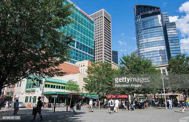 Pittsburgh Pennsylvania Pa The Market Square Downtown Area Of Skysers Restaurants And S People Moving