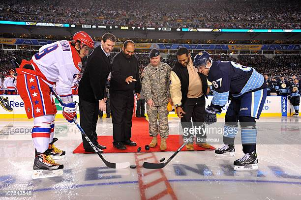 Pittsburgh sports legends Mario Lemieux former NFL player Franco Harris US Army Sergeant First Class Bradley T Tinstman and former NFL player Jerome...