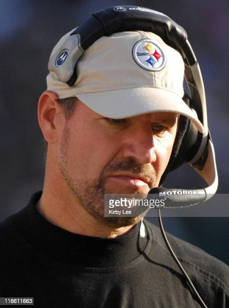 Pittsburgh Steelers coach Bill Cowher watches dejectedly from the sidelines during 2013 loss to the Oakland Raiders at McAfee Coliseum in Oakland...