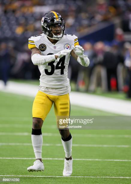 Pittsburgh Steelers cornerback Cameron Sutton warms up during the game between the Pittsburgh Steelers and Houston Texans on December 25 2017 at NRG...