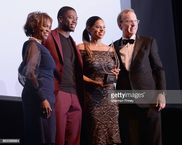 Pittsburgh Steelers cornerback Coty Sensabaugh and his wife Dominique accept the 2017 Points of Light Tribute Award from Points of Light CEO Natalye...