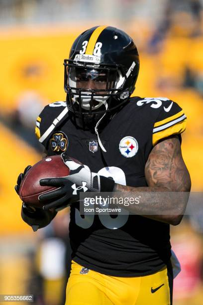Pittsburgh Steelers defensive running back Stevan Ridley warms up during the AFC Divisional Playoff game between the Jacksonville Jaguars and the...