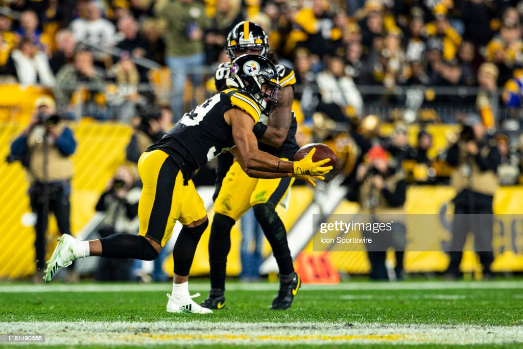 NFL: NOV 10 Rams at Steelers : News Photo