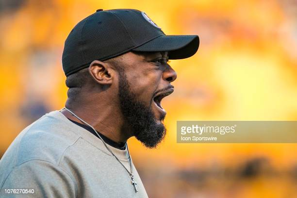 Pittsburgh Steelers head coach Mike Tomlin is fired up during the NFL football game between the Cincinnati Bengals and the Pittsburgh Steelers on...