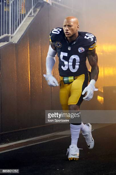 Pittsburgh Steelers inside linebacker Ryan Shazier enters the field before an NFL football game between the Pittsburgh Steelers and the Green Bay...