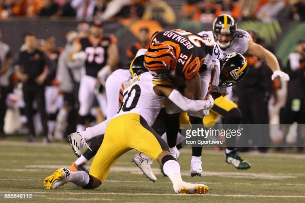 Pittsburgh Steelers inside linebacker Ryan Shazier goes to tackle Cincinnati Bengals running back Giovani Bernard during the game against the...