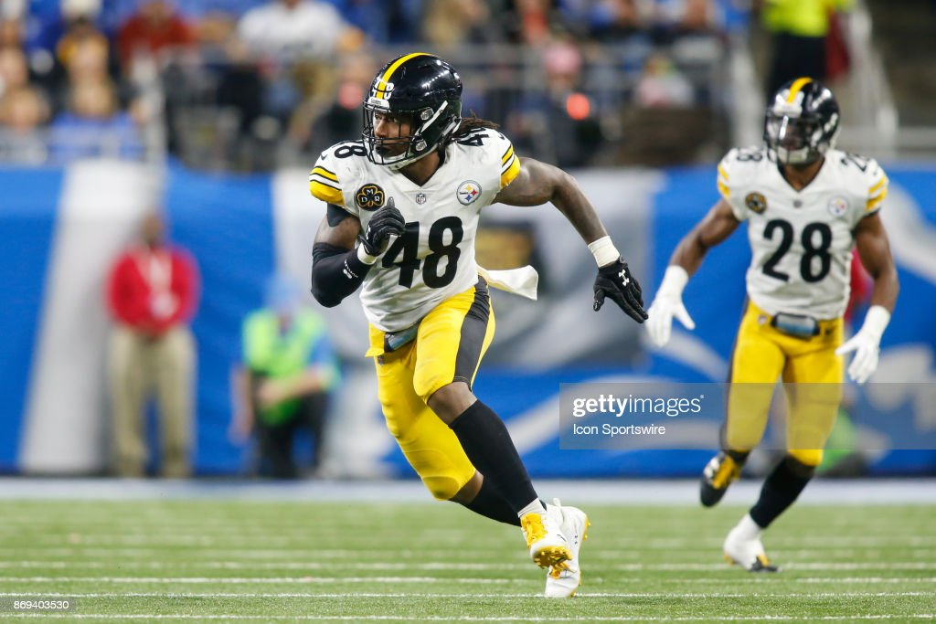 Pittsburgh Steelers linebacker Bud Dupree (48) rushes during game action between the Pittsburgh Steelers and the Detroit Lions on October 29, 2017 at Ford Field in Detroit, Michigan.