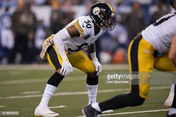 Pittsburgh Steelers linebacker Ryan Shazier looks into the backfield before the snap during the NFL game between the Pittsburgh Steelers and...