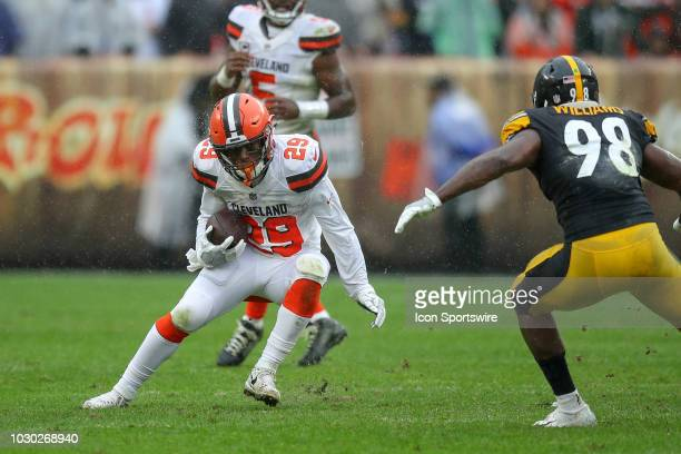 Pittsburgh Steelers linebacker Vince Williams draws a bead on Cleveland Browns running back Duke Johnson Jr during the second quarter of the National...