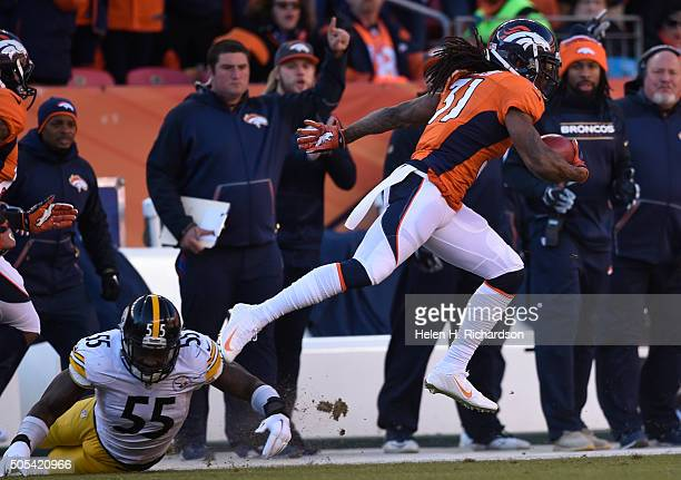 Pittsburgh Steelers outside linebacker Arthur Moats misses a tackle on Denver Broncos strong safety Omar Bolden during a punt return in the first...
