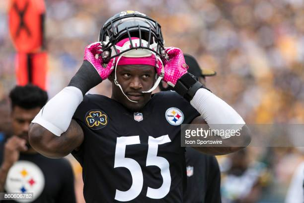Pittsburgh Steelers outside linebacker Arthur Moats puts his helmet on during the game between the Jacksonville Jaguars and the Pittsburgh Steelers...
