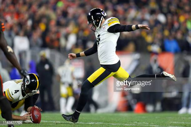 Pittsburgh Steelers place kicker Chris Boswell attempts a 44yard field goal out of the hold of Pittsburgh Steelers punter Jordan Berry during the...