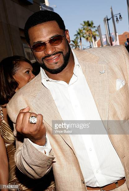 Pittsburgh Steelers player Jerome Bettis shows off his Super Bowl ring at the 2006 ESPY Awards at the Kodak Theatre on July 12 2006 in Hollywood...