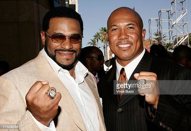 Pittsburgh Steelers players Jerome Bettis and Hines Ward shows off their Super Bowl rings at the 2006 ESPY Awards at the Kodak Theatre on July 12...