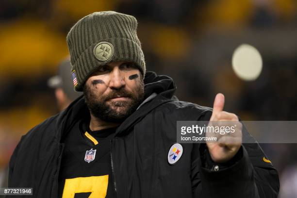 Pittsburgh Steelers Quarterback Ben Roethlisberger gives a thumbs up during the game between the Tennessee Titans and the Pittsburgh Steelers on...