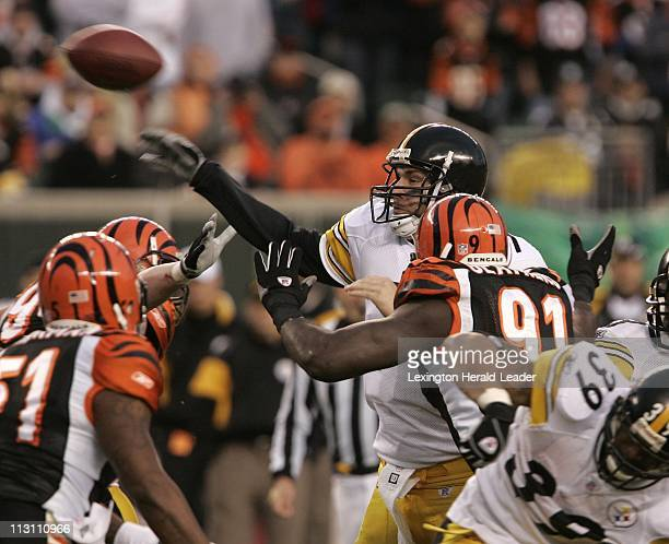 Pittsburgh Steelers quarterback Ben Roethlisberger throws under pressure from the Cincinnati Bengals defeanse during second quarter action in the AFC...