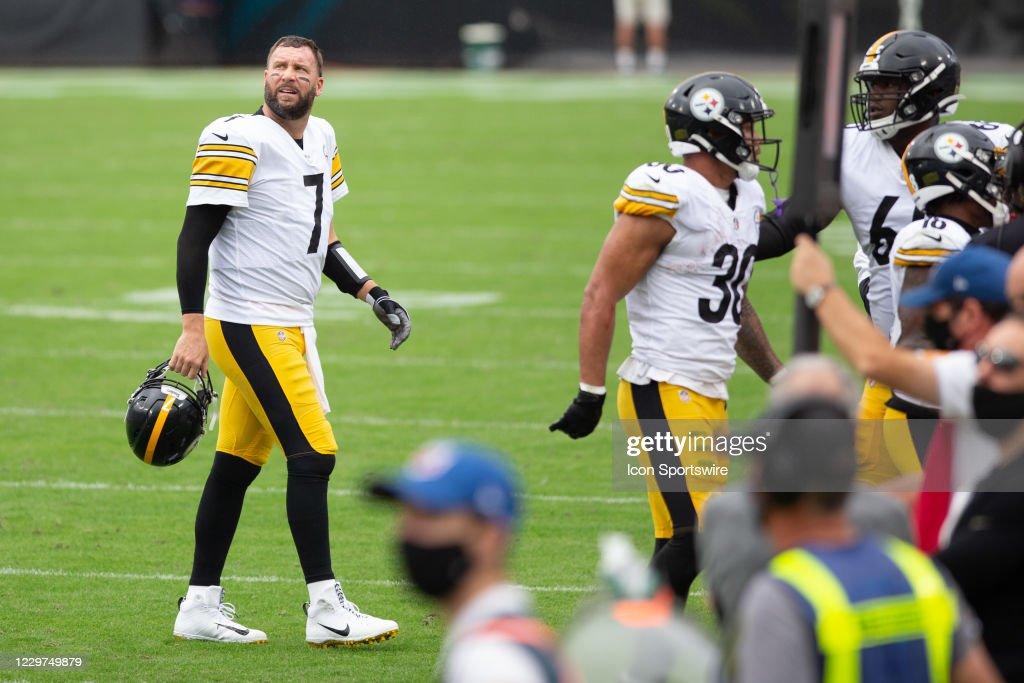 NFL: NOV 22 Steelers at Jaguars : News Photo