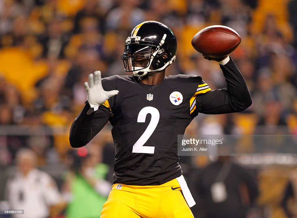best loved 1a6a4 015b0 Pittsburgh Steelers quarterback Mike Vick in action during ...