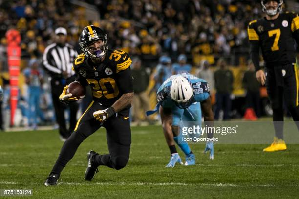 Pittsburgh Steelers Running Back James Conner runs with the ball during the game between the Tennessee Titans and the Pittsburgh Steelers on November...
