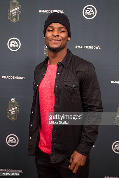 Pittsburgh Steelers running back Le'Veon Bell arrives Madden Bowl XXII at Nob Hill Masonic Center on February 4 2016 in San Francisco California