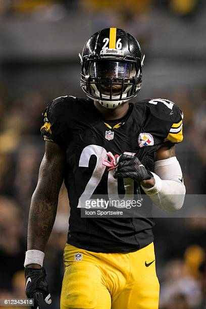 Pittsburgh Steelers Running Back Le'Veon Bell during the NFL Football game between the Kansas City Chiefs and Pittsburgh Steelers at Heinz Field in...