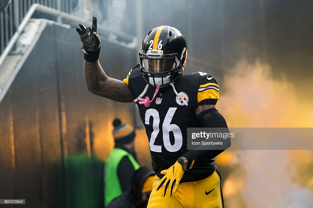 NFL: JAN 08 AFC Wild Card - Dolphins at Steelers : News Photo