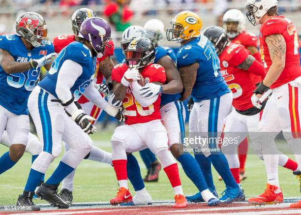 Pittsburgh Steelers running back Le'Veon Bell runs into the NFC Defense During the NFL Pro Bowl match between the AFC NFC on January 28 2018 at...
