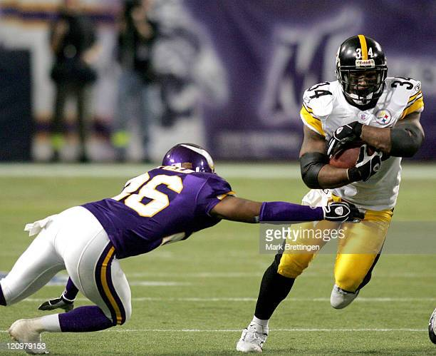 Pittsburgh Steelers running back Vernon Haynes eludes Antoine Winfield in the fourth quarter of a game against the Minnesota Vikings on December 18...