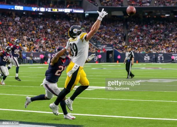 8f8f17594 Pittsburgh Steelers tight end Vance McDonald fails to complete a catch in  the end zone during. Editorial use only