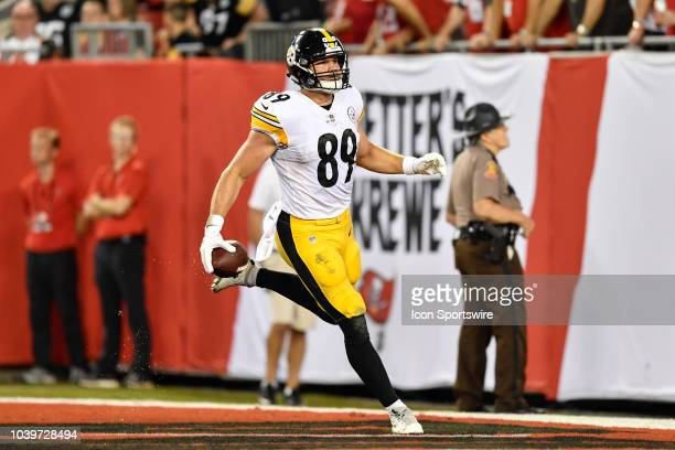 047f175be Pittsburgh Steelers tight end Vance McDonald scores a touchdown during the  first half of an NFL. Editorial use only