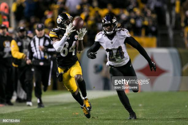 Pittsburgh Steelers Wide Receiver Antonio Brown catches a pass late in the game to set the steelers up to kick the go ahead field goal during the...