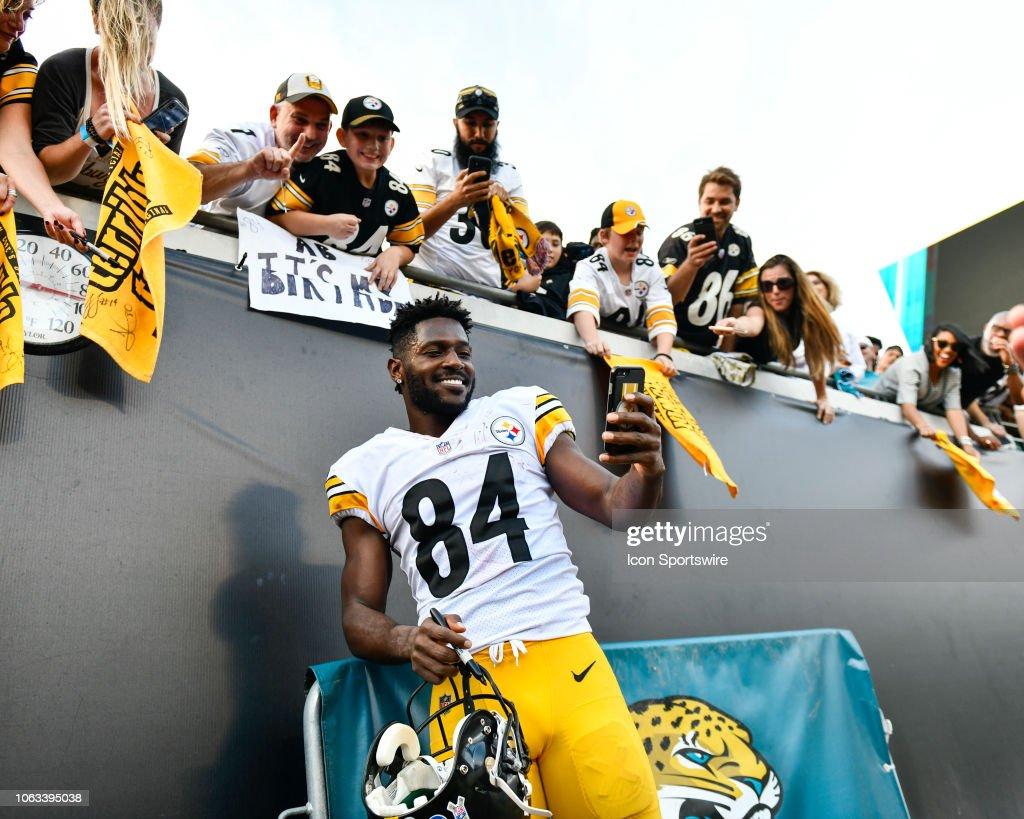 NFL: NOV 18 Steelers at Jaguars : News Photo