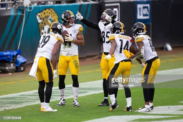 Pittsburgh Steelers Wide Receiver Chase Claypool celebrates a touchdown with Pittsburgh Steelers Wide Receiver JuJu Smith-Schuster , Pittsburgh...